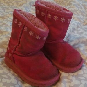 Toddler UGG boots pink daisy